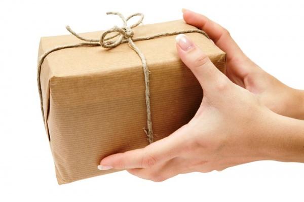 Получение посылки на почте по заграничному паспорту: возможно ли это?